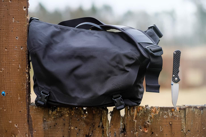 Review: Arc'teryx LEAF Courier Bag 15 1